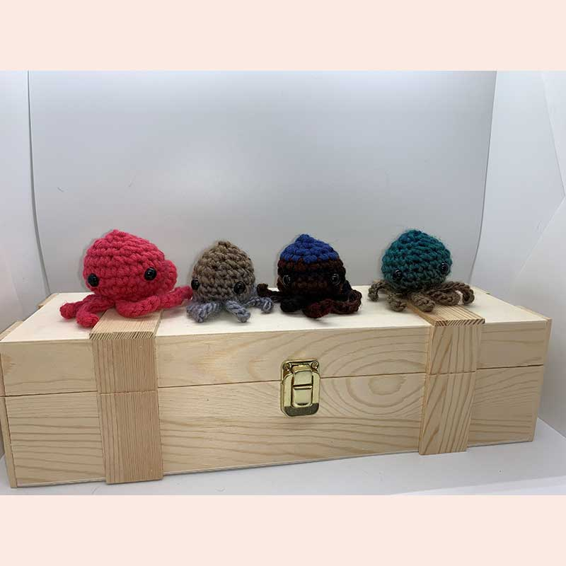 Crocheted Cthulhus with Hooks and Chains