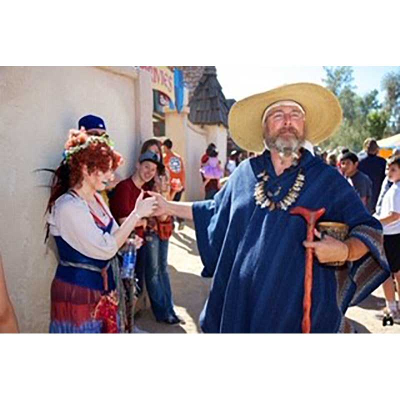 Shamus the Insulter with a Faire Maiden